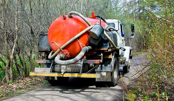 Tratamento de efluentes off-site: alternativa segura para a destinação de resíduos líquidos industriais